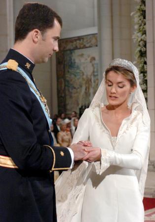 Brautkleid letizia spanien Königin Letizia