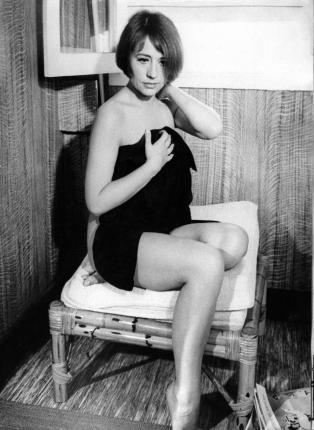 Nackt Annie Girardot  Lady Diana